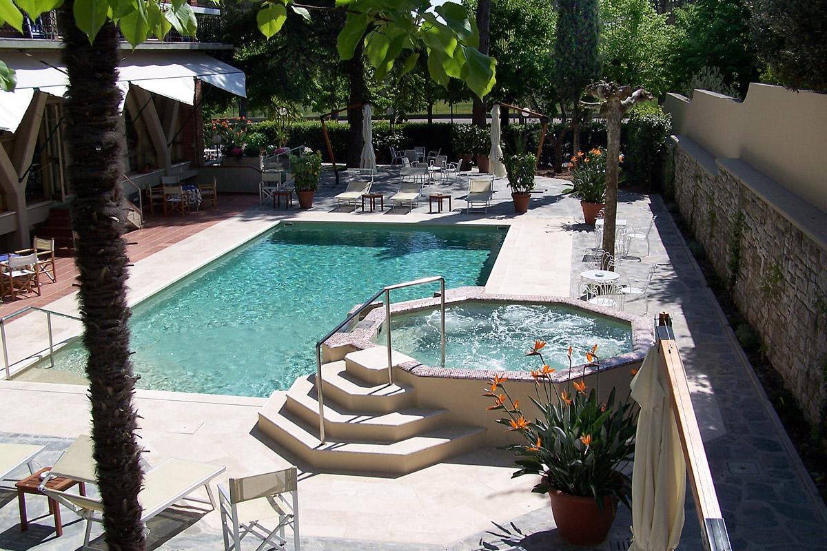Hotel montecatini terme con piscina hotel 4 stelle - Piscina monsummano terme ...